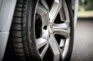 wheels-1256258_1280